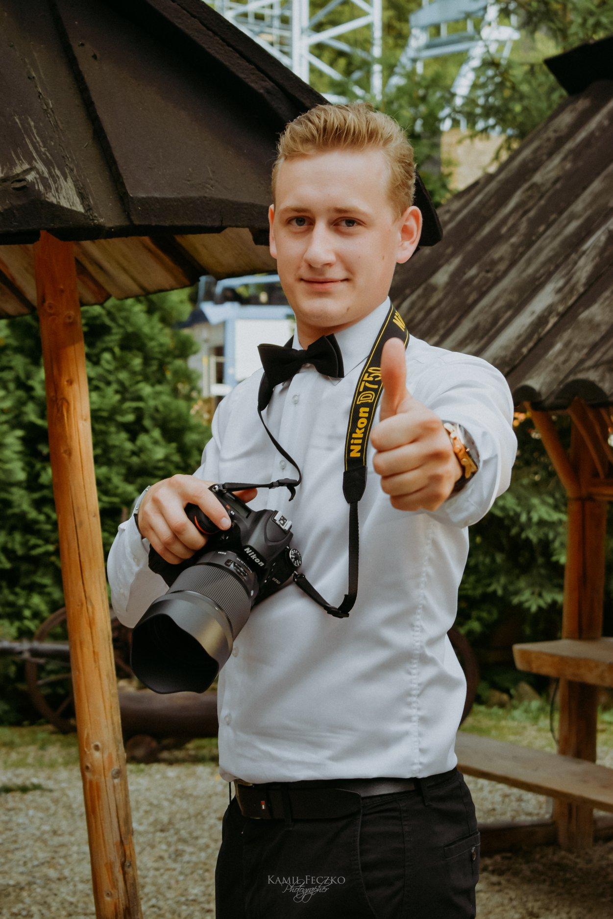 Fotografia ślubna, fotoreportaże, sesje reklamowe.